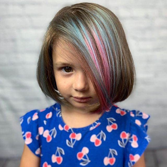 Photo by Mel ✨🤟🏼| Miami Hairstylist in LUXE - The Colour Lounge with @rebeccalgaray, @luxethecolourlounge, @salonrepublic, @pulpriothair, @unicornallianc3, @redken, and @thatsnotapixie. Image may contain: one or more people, child and closeup.