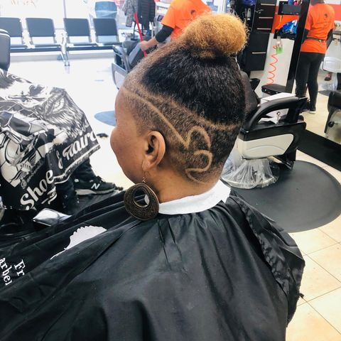 Photo by freshbarbershop_School on March 08, 2020. Image may contain: one or more people.