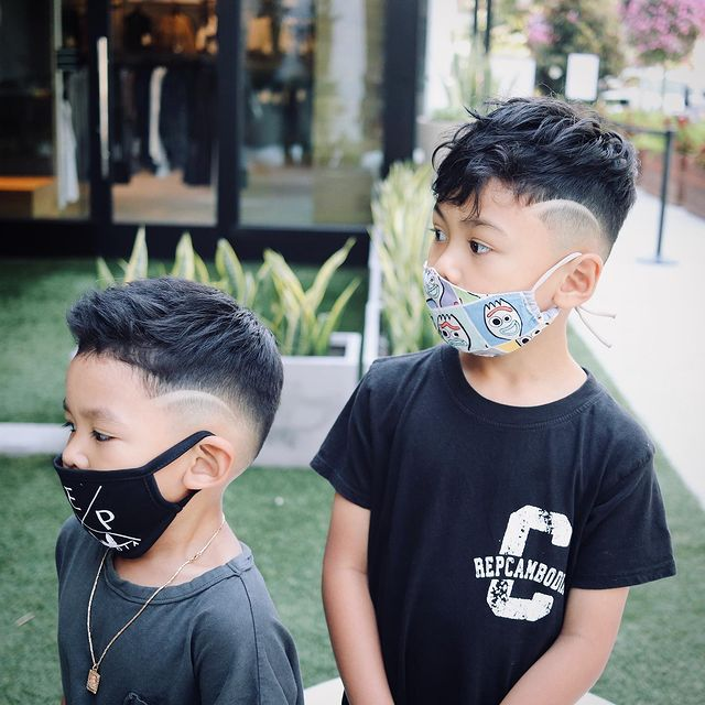 Photo shared by 𝐂 𝐡 𝐚 𝐧 𝐏 𝐢 𝐧 on August 17, 2020 tagging @minilicious, and @repcambodia. Image may contain: 2 people, outdoor and closeup.