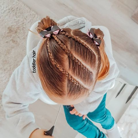 Photo shared by Selena and Sofía's Hairstyles on November 13, 2020 tagging @minimidi87. Image may contain: one or more people, text that says 'toddler.hair hair toddler'.