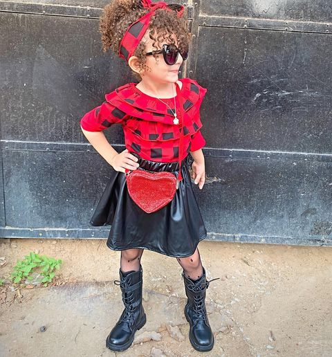 Photo shared by Juwayria Khaled on November 14, 2020 tagging @hm, @sheinofficial, @jollychic_official, @xshahdx.fashion, @hm_kids, @shein_ar, @jollychic_ksa, @shein_kids, @hawaa.onlineshopping, and @sheinpickouts. Image may contain: one or more people, people standing, shoes, child and outdoor.