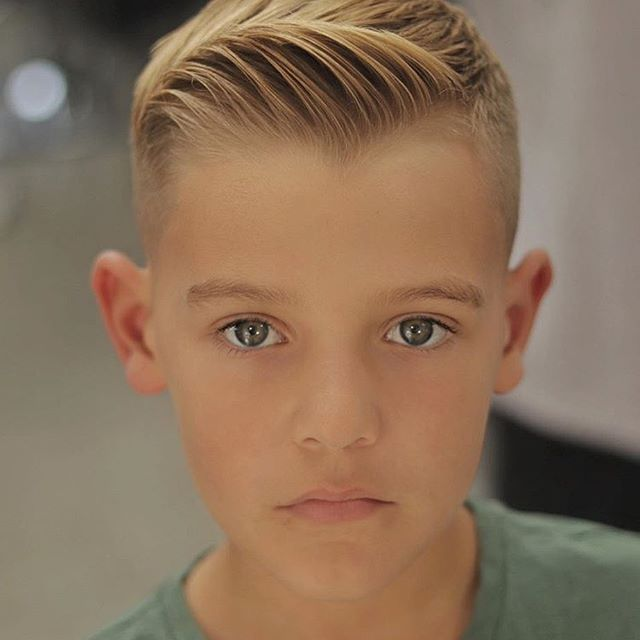 Photo shared by menshair.it on November 15, 2020 tagging @alan_beak. Image may contain: 1 person, child and closeup.