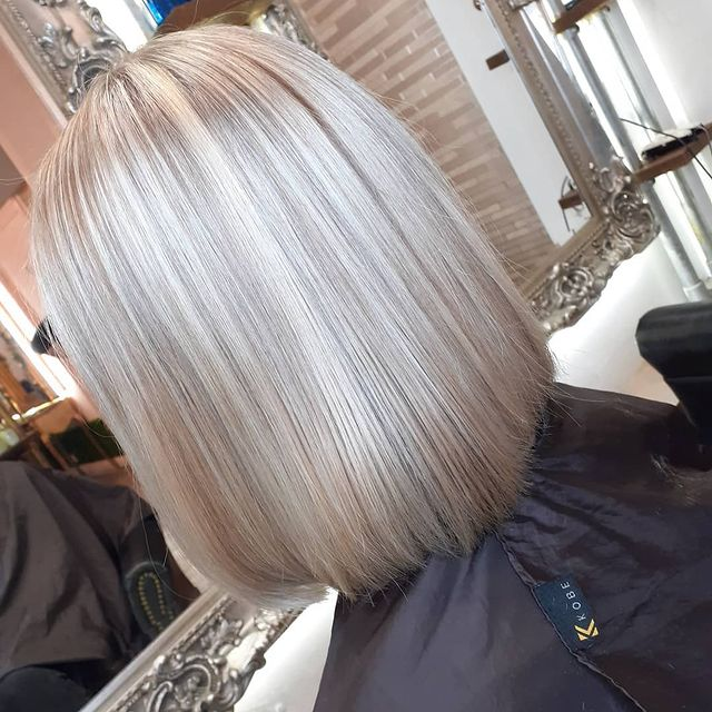 Photo by @blowdrysbybaines_dry in Manchester, United Kingdom. Image may contain: one or more people.