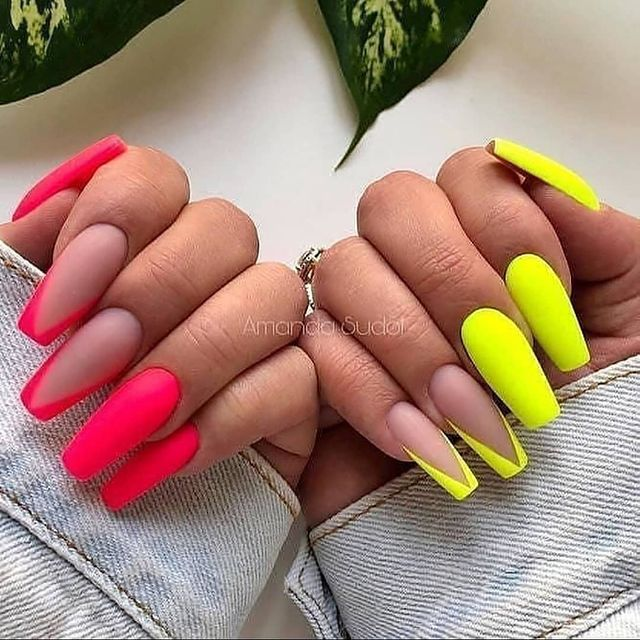 Photo by Best Nails Clips on March 01, 2021.