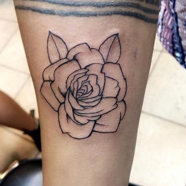 Photo shared by Tiffany Lopez Rochet on March 16, 2021 tagging @twistedtattoostudio. May be an image of one or more people, tattoo and rose.