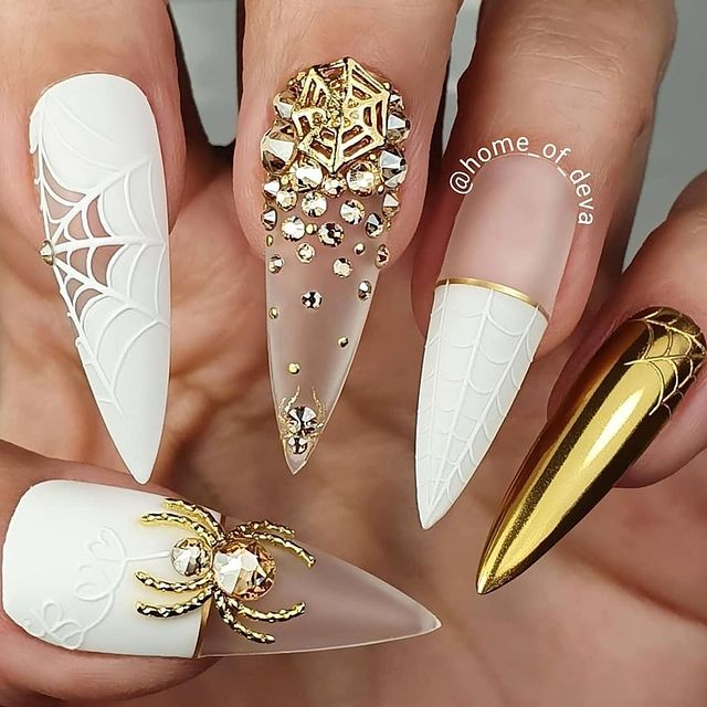 Photo by SXC Cosmetics Nails on March 17, 2021.