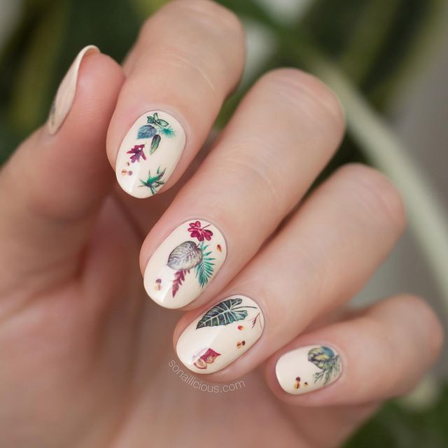 Photo by Maria V SoNailicious in So Nailicious HQ with @marieclaireau, @laublm, @visitnsw, @so_nailicious, @abcnews_au, @opi, @scratchmagazine, @sonailicious_boutique, @redheadnails, @buzzfeed, @opiaustralia, @9newssydney, @voguebeauty, and @chanel.beauty.