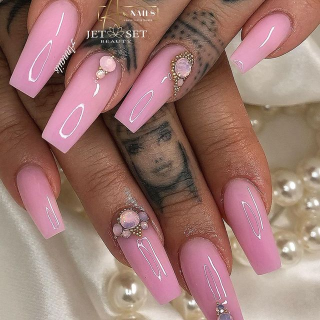Photo by Annails in Zürich, Switzerland with @inkedmag, @nails_loounge, @desa18trl, @glitterarty_nails1, @nailstyle_official, @heartgametattoo, @jet_set_beauty_nails, @nailfetishh, @luxnails4ever, @thosefancynails, and @about_naails.