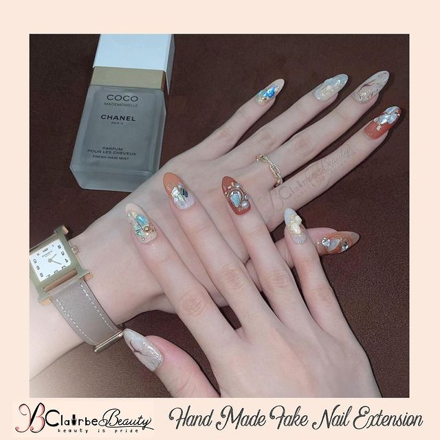 Photo shared by WEDDING NAILS & COURSES on April 06, 2021 tagging @caj_97. May be an image of 1 person and text.
