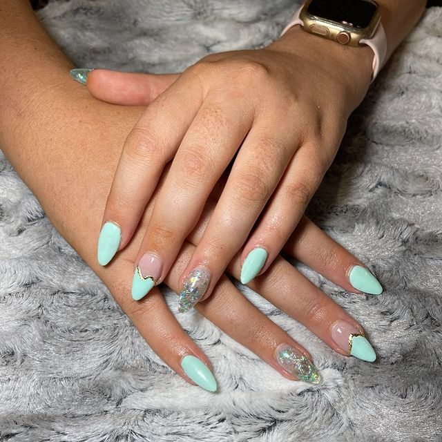Photo by MK Beauty & Nails in Morayfield, Queensland, Australia with @glitterblendz, @melowens_, @youngnailsaustralia, @youngnailsinc, and @planetnails.au.