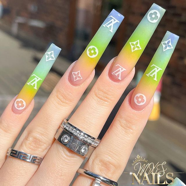 Photo shared by MXS Nails on April 09, 2021 tagging @missguided, @kyliejenner, @prettylittlething, @khloekardashian, @missyempire, @chaunlegend, @kiaraskynails, @isawitfirst, @ohpolly, @kiaraskynailsuk, @boutiquejude, @morghyn_nailedit, @nail.inspo.daily, and @blinkblink.uk.