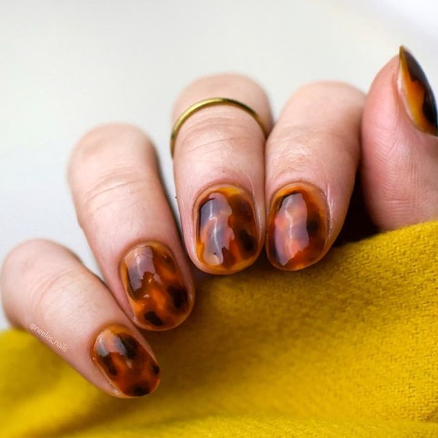 Photo by Neele's Nails on April 09, 2021.