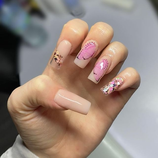 Photo shared by NAILS BY JASMIN on April 11, 2021 tagging @glitteramanails.