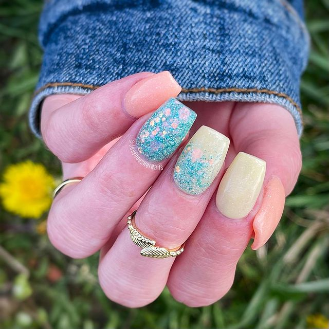 Photo shared by Jess DIY Nails on April 19, 2021 tagging @doubledipnails.
