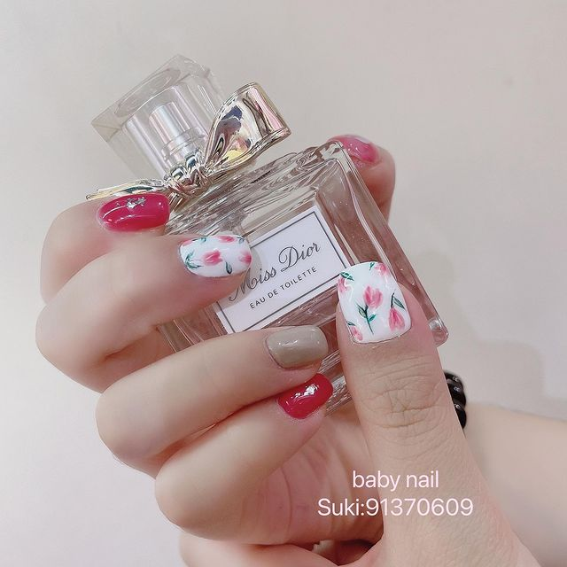 Photo by Baby Nail on April 23, 2021. May be an image of text that says 'Dior orss DE TOILETTE EAU DE baby nail Suki:91370609'.
