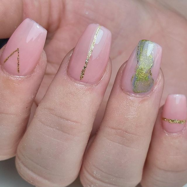Photo shared by Danni Jones on April 26, 2021 tagging @nailpromagazine, @scratchmagazine, @pro_beauty01, @abtinsurance, @me.darciemae.and.life, @the_gelbottle_inc, @sna_professional, and @officialnavyprotools.