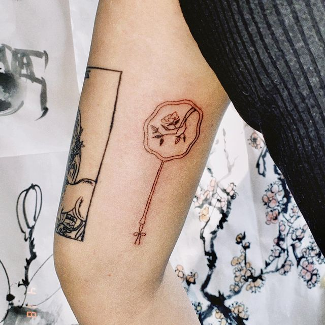 Photo by Stick n' Poke Gal on April 28, 2021. May be an image of one or more people, tattoo and rose.