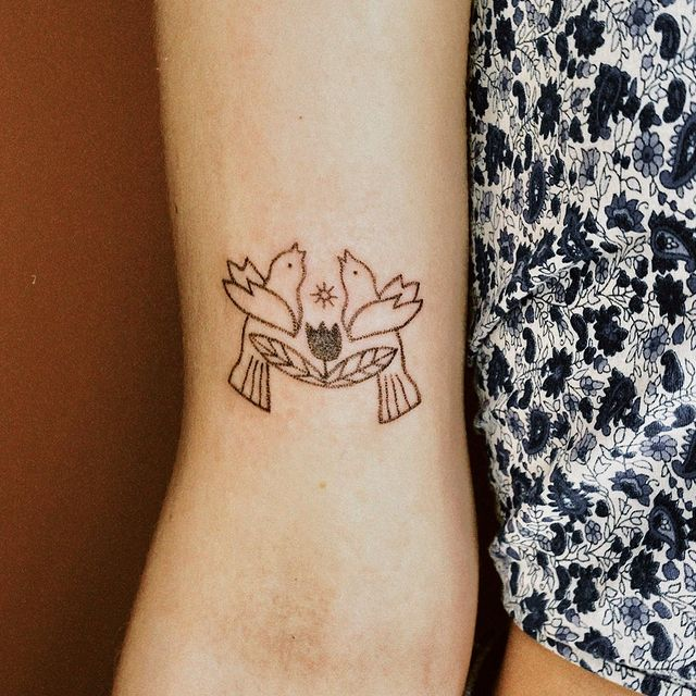 Photo by Stick n' Poke Gal on April 30, 2021. May be an image of one or more people and tattoo.