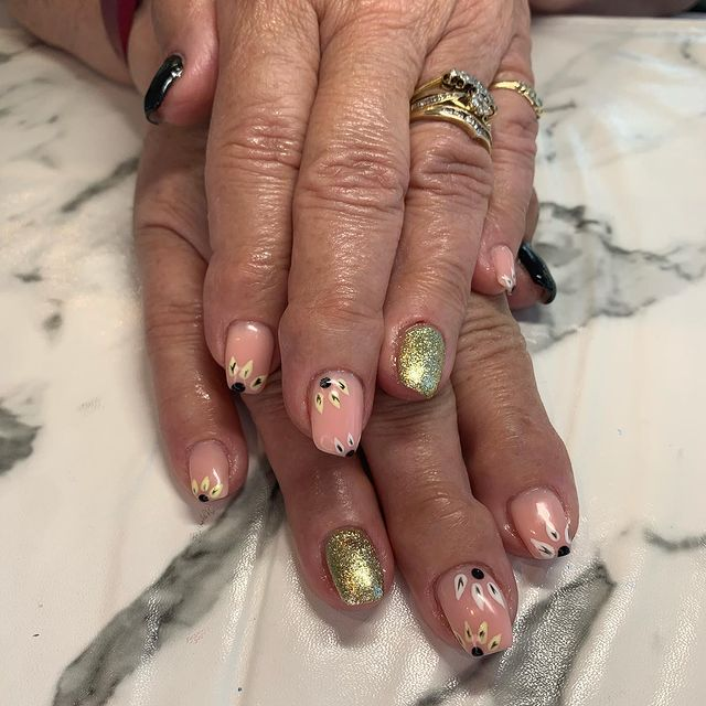 Photo by Nails By Nicola on May 03, 2021.