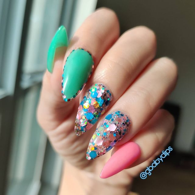 Photo shared by Gisela on May 16, 2021 tagging @revelnail, @grimesridge, @vividglamco, @cuticlecare_fornails, and @krystal.gel. May be a closeup.