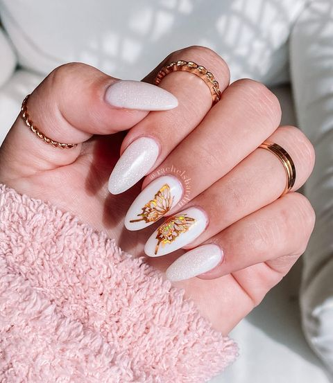 Photo shared by 𝐑𝐀𝐂𝐇𝐄𝐋 𝐇𝐀𝐑𝐃𝐈𝐍 on May 20, 2021 tagging @opi_professionals, @doubledipnails, @vividglamco, @ogdippowder, and @ritzydips. May be an image of 1 person and flower.