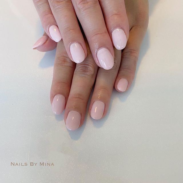 Photo by Hawaii 自宅 ネイルサロン on May 22, 2021. May be an image of text that says 'NAILS BY MINA'.