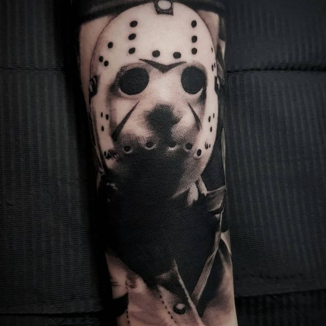 Photo shared by Chloe Black on May 26, 2021 tagging @stencilstuff, @bnginksociety, @worldfamousink, @starrtattoosupplies, @horror_sketches, @oh_my_horror, @butterluxe_uk, @bngworldwide, @ghostcartridges, @welshtattoosociety, and @blackandgreyhustlers. May be an image of one or more people and tattoo.
